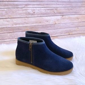 Timberland Paxton Hill Navy Suede Ankle Booties